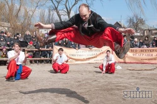 Казацкие забавы на Масленицу, комплекс «Запорожский Дуб»