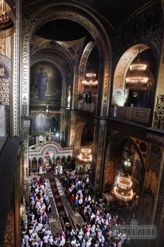 Пасхальное богослужение во Владимирском соборе в Киеве