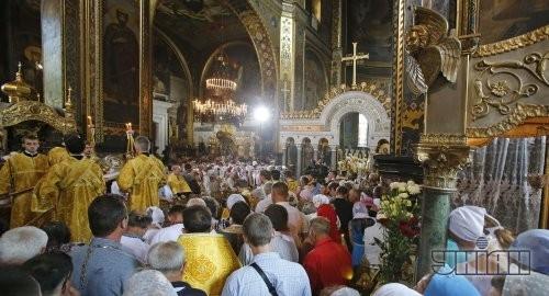 Литургию возглавил предстоятель Украинской православной церкви Киевского Патриархата, Патриарх Киевский и всея Руси-Украины Филарет