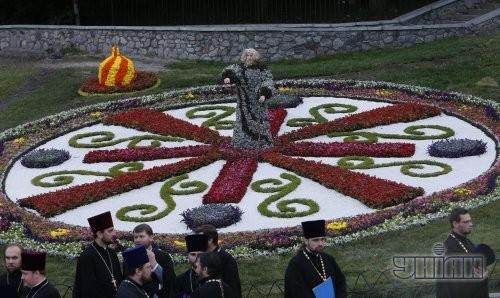 Выставка цветочных композиций на Певческом поле
