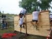 Марафонцы перепрыгивали стенку, как солдаты в армии