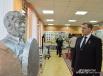 Александр Данилюк, мэр Смоленска, с интересом осмотрел экспозицию