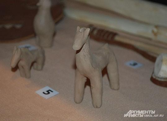 Деревянные игрушки в Средние века - вовсе не признак трудного детства