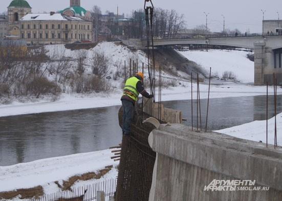 Внимание: на строительстве набережной замечены рабочие!