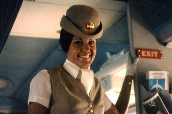 Стюардесса 1970 года.