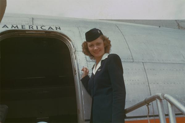 Стюардесса американских авиалиний, 1950 год.