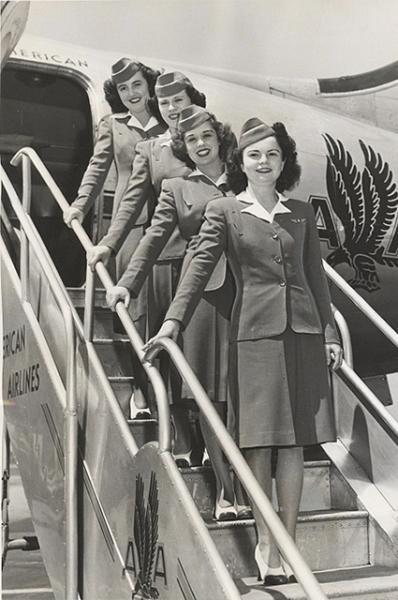 Стюардессы в 1947 году.