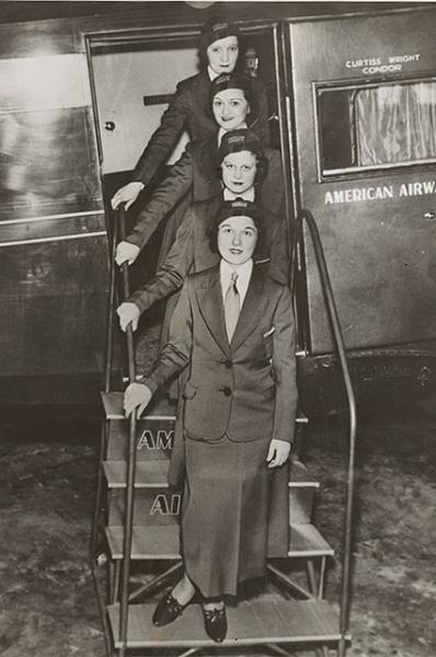Стюардессы американских авиалиний в 1933 году.