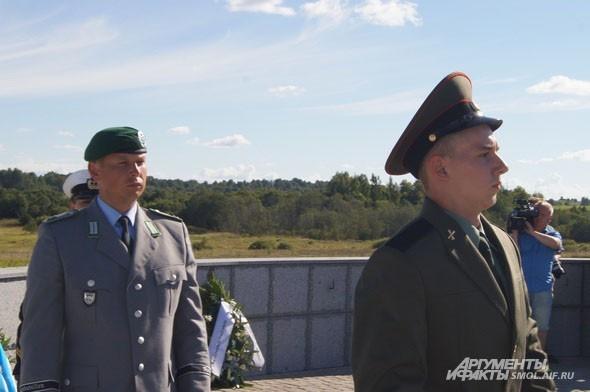 Русский и германский солдаты// Russian and German soldiers
