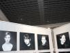 На втором этаже разместилась фотовыставка. Работы Любови Головатой из серии «Обратная сторона луны. Образ современника».