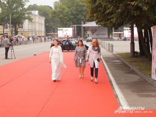 Вера Глаголева с актрисами ее нового фильма