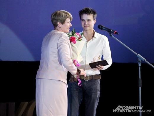 Исполнитель роли Гагарина в фильме «Гагарин. Первый в космосе» получает приз имени Гагарина