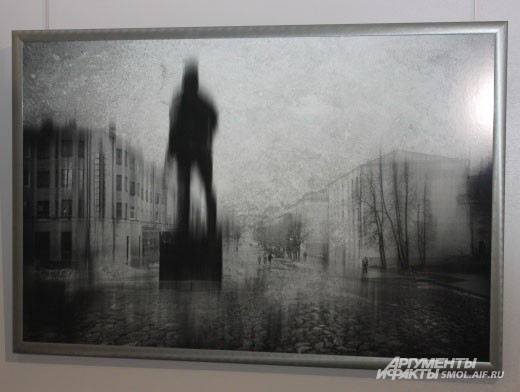 На некоторых фото Смоленск сразу и не узнать.