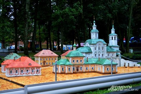 Авраамиев монастырь (Спасо-Преображнский Авраамиев мужской монастырь) — один из древнейших монастырей Смоленска.