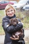Лариса Белозерова - активист фонда «Спасение». Семейство Белозеровых подбирает и лечит всех животных в округе. Последний страждущий - бездомный кот, которому кто-то поджег лапу.