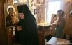 Монахиня на службе