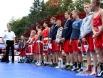 В красной форме - гости турнира.