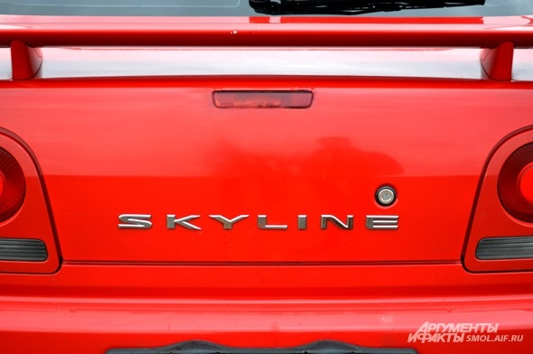 Еще один культовый автомобиль: Nissan Skyline. Прославился, как Mazda RX 7, благодаря «Форсажу» и Need for Speed