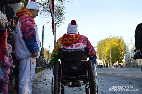 Настя Толчева, факелоносец номер 55, с нетерпением ждет  олимпийский огонь