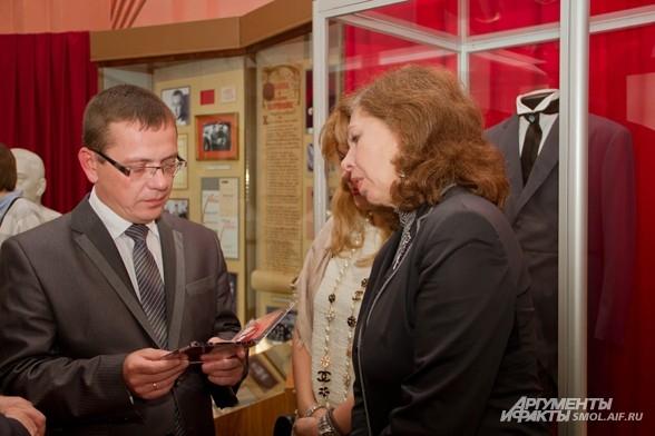 Елена Папанова и Владислав Кононов, начальник департамента Смоленской области по культуре и туризму