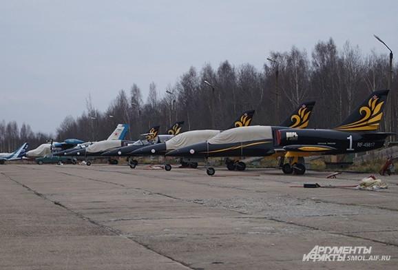 Самолеты на стоянке