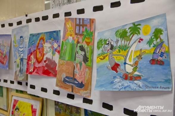 Выставка рисунков школьников - ребята взяли за тему мультфильмы, которые озвучивал Папанов