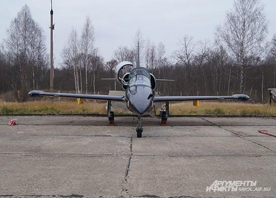 А вот на этих самолетах л-39 тренируются пилоты