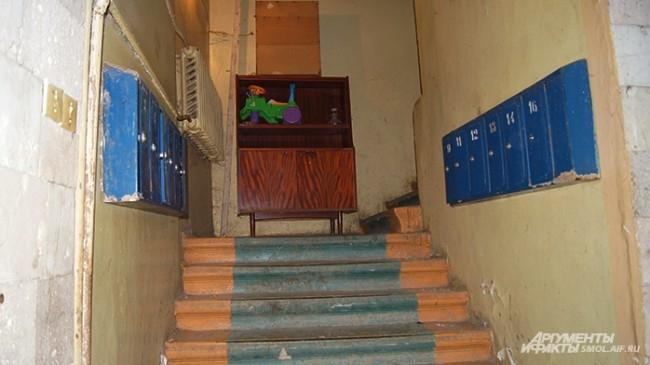 Лестница проходит по старой колокольне