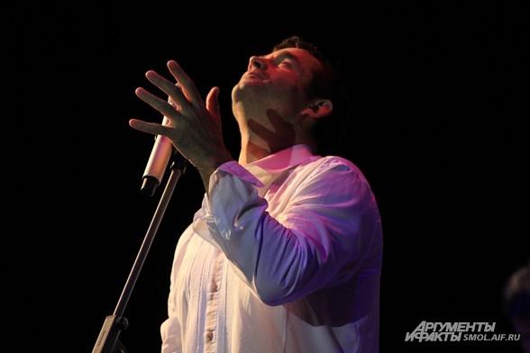Уже в 2011 году Певцов и «КарТуш» дали более 60 концертов.