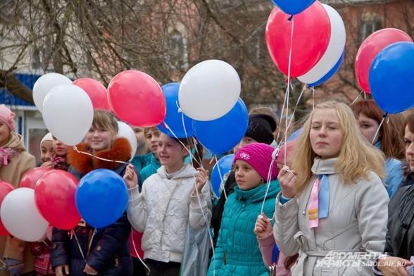 Митинг у памятника Папанову, который открыли в 2012 году