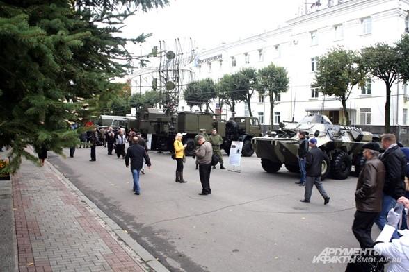 Выставка военной техники военной академии