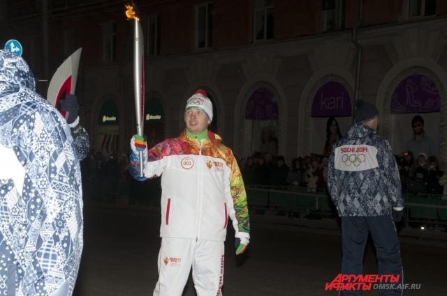 Первый факелоносец  - Алексей Тищенко.