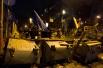 Активисты также начали выстраивать новые баррикады на Майдане Незалежности и вблизи здания Кабинета Министров. Правоохранительные органы в последние дни не проявляют высокой активности, не препятствуя действиям протестующих.