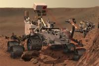 Марсоход Curiosity на Марсе.