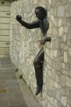 Жан Маре был очень увлечён литературой, скульптурой и живописью. В 1989 году в районе Монмартр был установлен памятник «Человек, проходящий сквозь стену» работы Маре. Монумент посвящен другу Маре – писателю Марселю Эме.