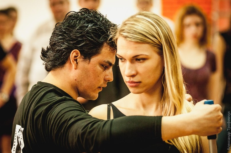 Аргентинское танго навсегда останется танцем, в котором раскрывается чувственность и страсть отношений между мужчиной и женщиной.