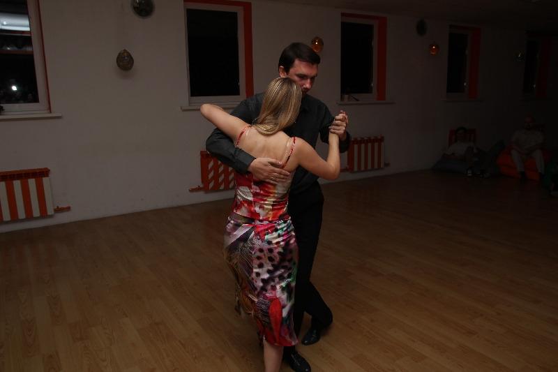 В Ростове новый набор в школу танго начинается уже после Нового года. Но уже сейчас можно позвонить и записаться на бесплатный урок.