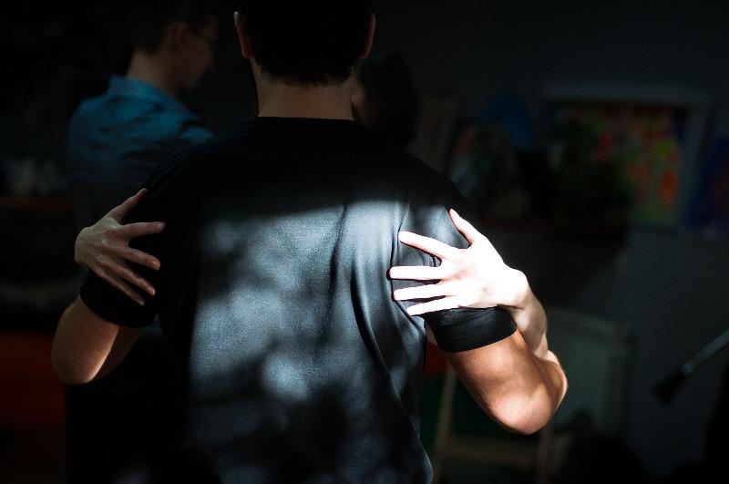 Когда-то танго был танцем, популярным только в игорных домах, кафе, барах и «квиломбос» (предназначенных для проституции местах). Сейчас это один из наиболее ярких, страстных и запоминающихся танцев, пользующихся особенной популярностью.