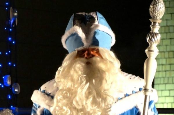 Всероссийский Дед Мороз не мог пропустить праздник, ведь здесь он выбирает для себя смышленых и творческих помощников.