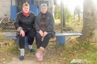 Татьяна Сидоренкова и Надежда Смычкова всю жизнь работают доярками в СПК Монастырщинского района.