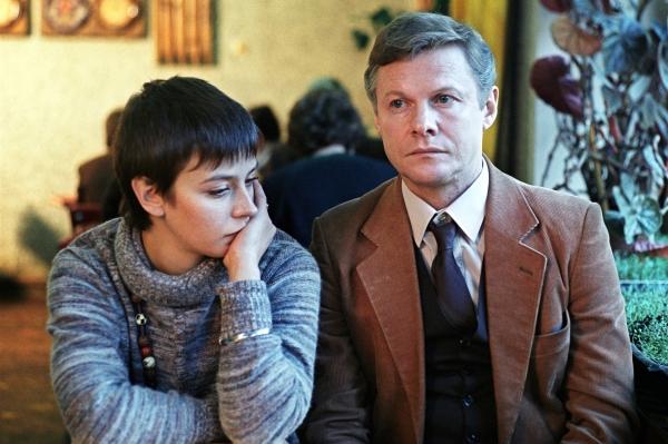 После успеха серии фильмов о Шерлоке Холмсе и докторе Ватсоне Виталий Соломин продолжил сотрудничество с режиссёром Игорем Масленниковым, которое вылилось в известную мелодраму «Зимняя вишня».