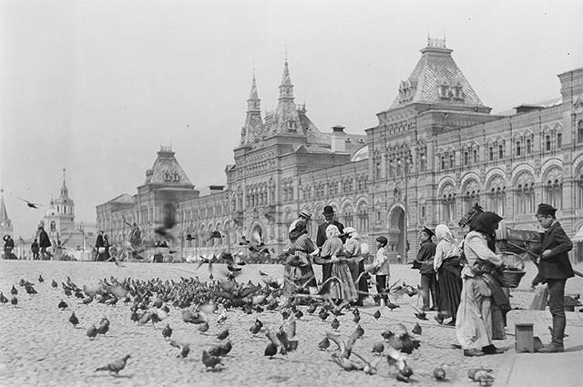 Торговые галереи на Красной площади, конец XIX века.