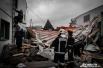 С крыши автосервиса на Балканской ветром сорвало надстроенный ангар