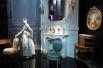 Модельеру очень нравились платья встиле Марии-Антуанетты. Даже после смерти кутюрье фирма Christian Dior продолжала создавать платья вэтом направлении, показы которых часто сопровождались выставками под слоганом «Мода как искусство».