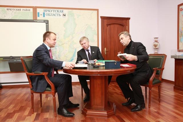 После детских домов Павел Астахов встретился с губернатором Приангарья Сергеем Ерощенко.