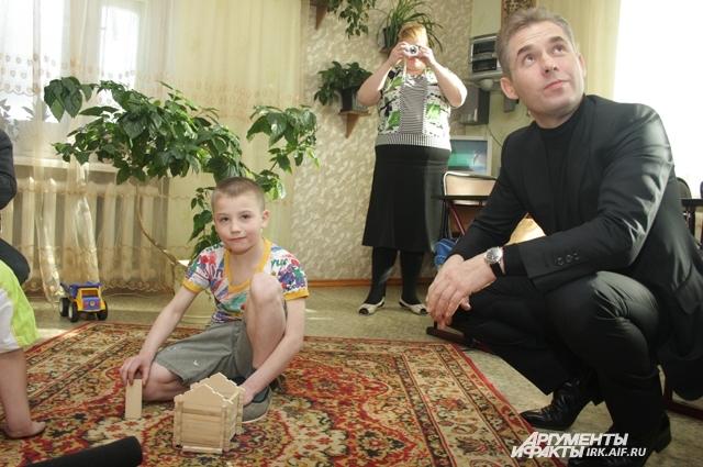 Павел Астахов посетил детдома областного центра.