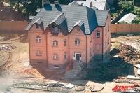 Свой дом может выглядеть как мини-дворец.