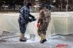 Из-за дефицита снега и льда приходится собирать снежные «опилки».