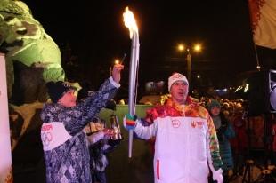 В Челябинске при 21 градусе мороза началась эстафета Олимпийского огня