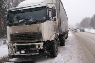 На Южном Урале мужчина погиб под колесами грузовика